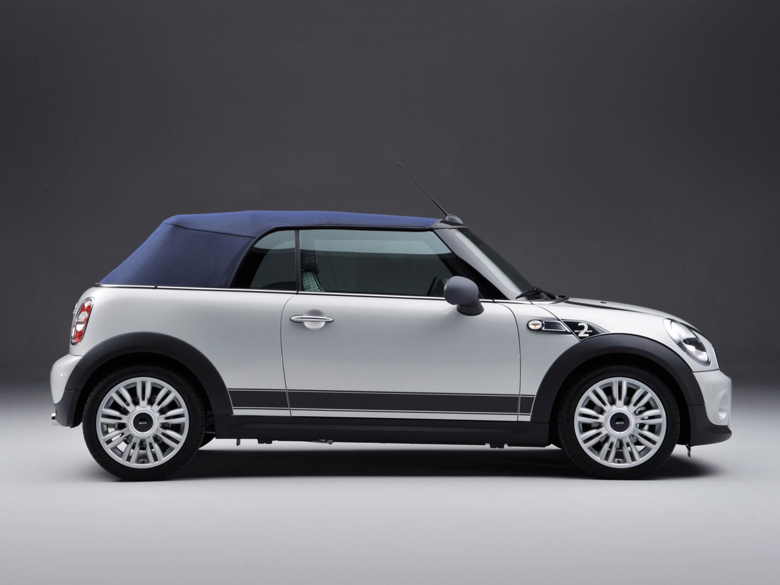 Rent Mini Cooper cabriolet